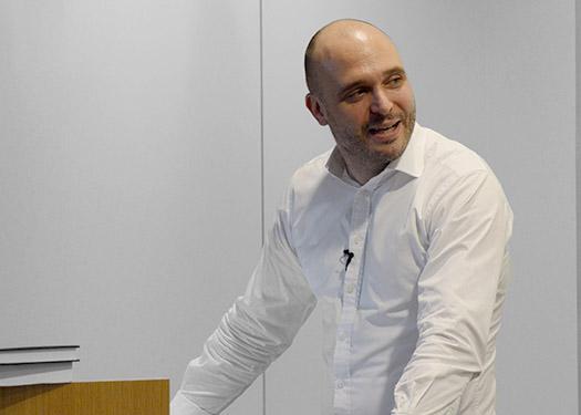 Dr. Yves Hilpisch